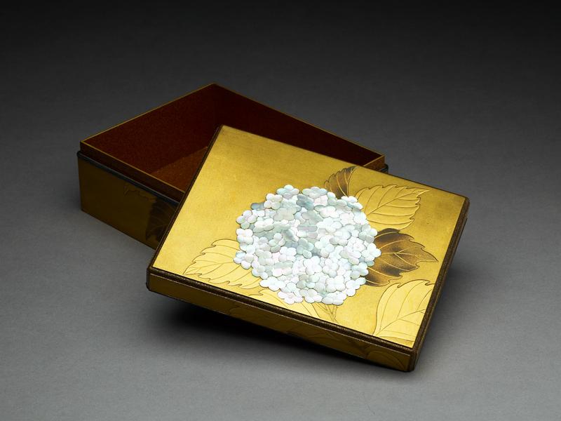 Lacquer box, c. 1900, 15.3 x 12.0 x 5.8 cm, EA1956.3337
